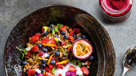 Good to Glow: Feel-Good Food from the World's Healthiest Cafes, Hotels, Spas