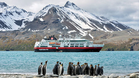 Hurtigruten Invites Travelers to Explore Antarctica