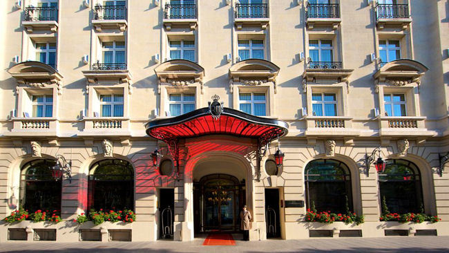 Le Royal Monceau - Raffles Paris Unveils New Holiday Experiences