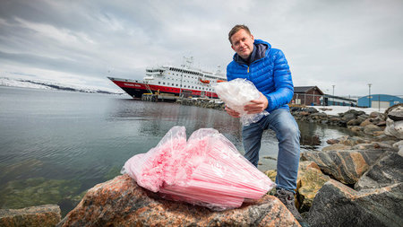 Hurtigruten to Cut Single-Use Plastics by Summer 2018