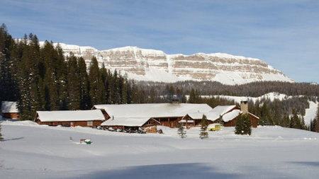 Snowmance this Valentine's Day at Brooks Lake Lodge
