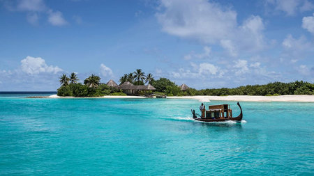 Four Seasons Launches Maldives' first Hydrofoil Experiences