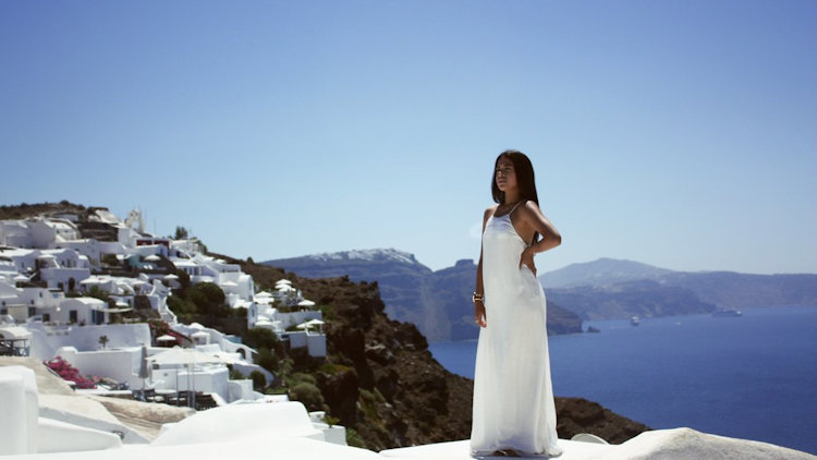 Visit the Most Instagrammed Destinations in Greece for a Professional Photoshoot