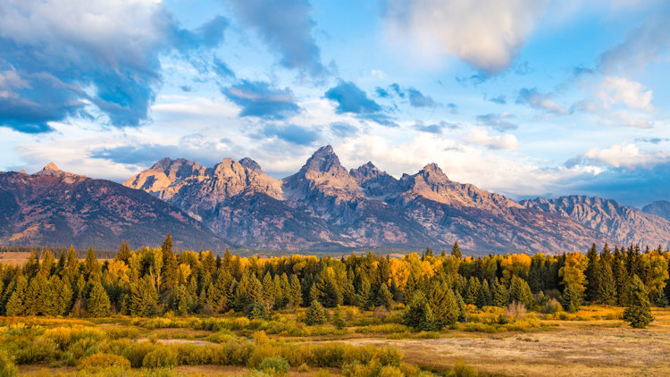 6 Vacations for Fall Foliage, Fewer Crowds, and the Open Road