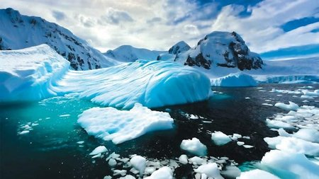 Seabourn Adds New Experts to Antarctic Expedition Team