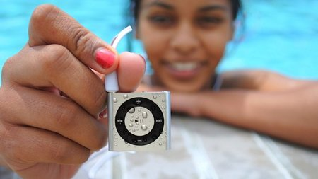 Underwater Audio Offers Unique Gift for the Music-Loving Swimmer