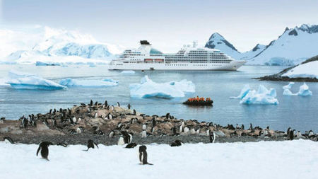 Seabourn Offers Kayak Excursions in Antarctica