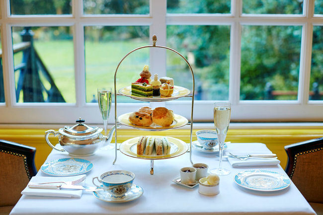 The Queen of England's 90th Birthday Afternoon Tea