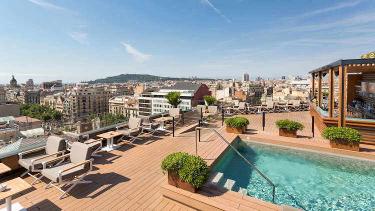 Majestic Hotel & Spa Barcelona Unveils Renovated La Dolce Vitae Rooftop Bar
