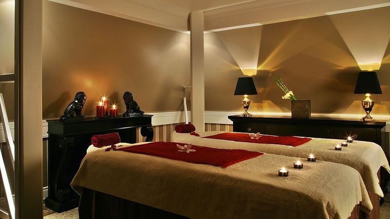 Tiara Chateau Hotel Mont Royal Chantilly, France