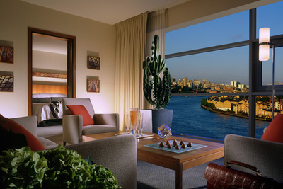 Four Seasons Hotel London at Canary Wharf - London, England - 5 Star Luxury Hotel
