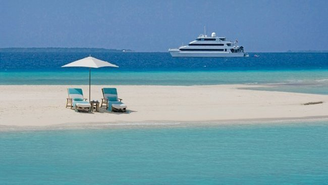 Four Seasons Explorer Yacht - Maldives -slide-8