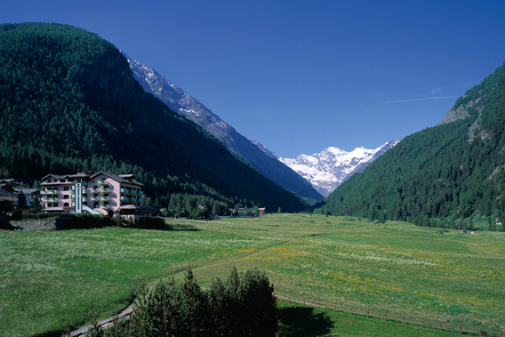 Hotel Bellevue - Cogne, Aosta Valley, Italy - Relais & Chateaux-slide-3