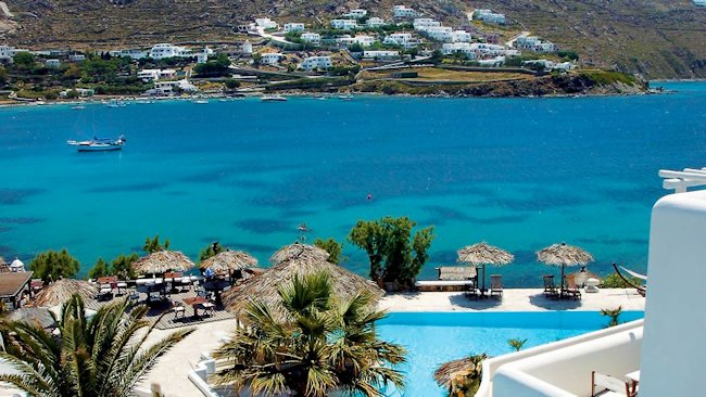 Chic To Go Greek: Four Iconic Resorts Offer the Best of this Timeless Summer Destination