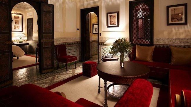 Iconic hotel la mamounia hosts art exhibit in marrakech - Salon style oriental chic ...