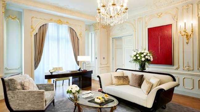 the peninsula paris launches theme suites inspired by haute couture. Black Bedroom Furniture Sets. Home Design Ideas