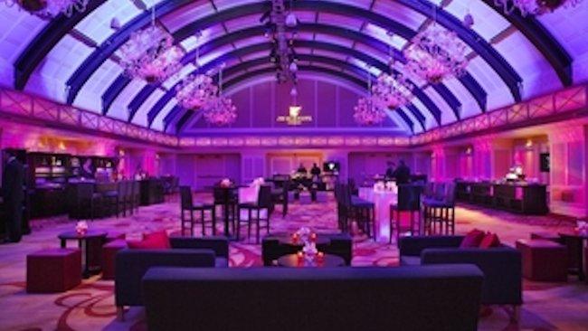Jw marriott chicago creates 1 800 luxury foodie fantasy for 1800 salon chicago