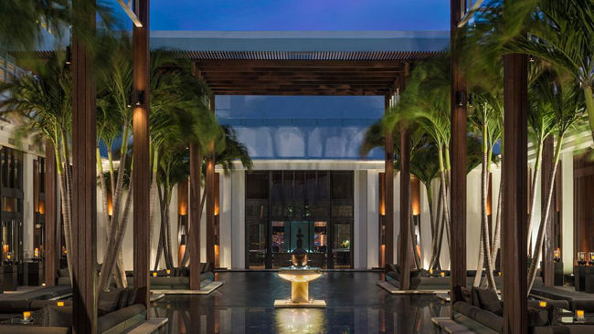 The Setai courtyard