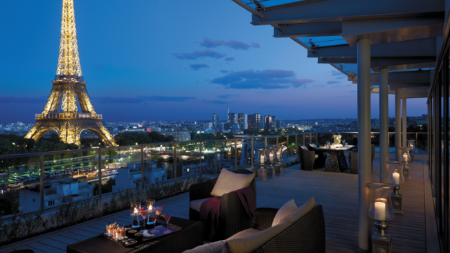 Shangri la hotel paris launches terrace pop up bar for Terrace eiffel tower view room shangri la