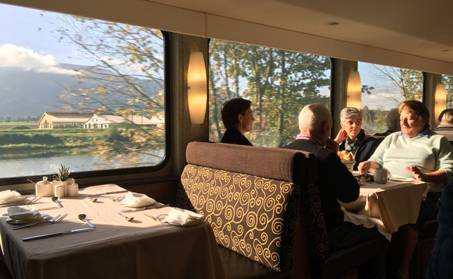 Rocky Mountaineer GoldLeaf dining car