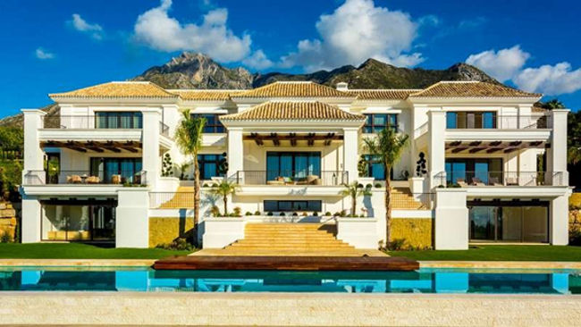 Top 10 luxury villas to buy around the world for Small luxury hotels of the world group