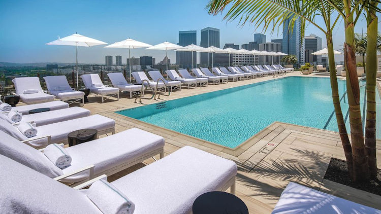Waldorf Astoria Beverly Hills rooftop pool