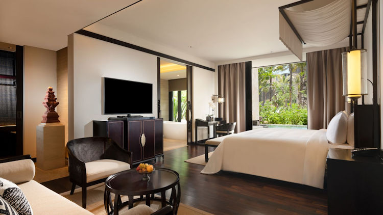 The Apurva Grand Deluxe Lagoon room