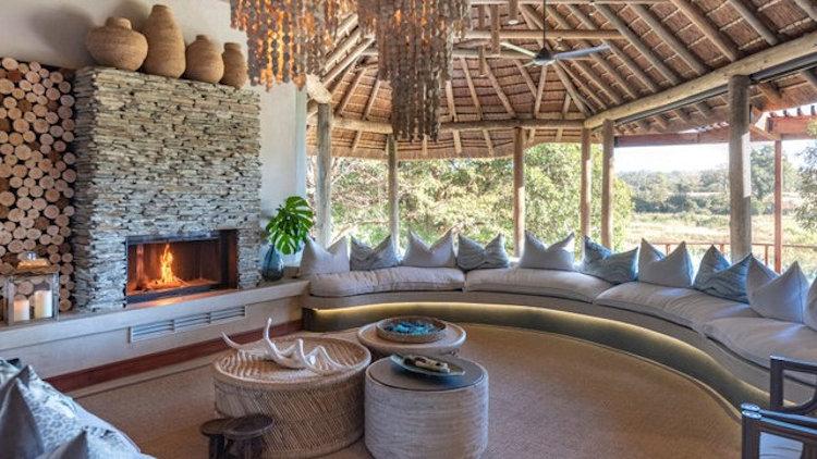 Dulini River lodge lounge