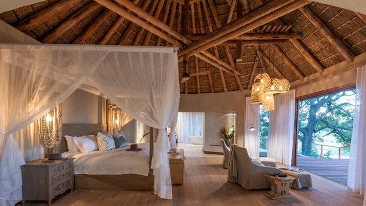 Dulini River lodge bedroom