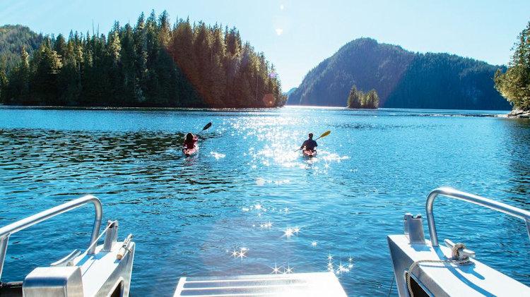 Kayak en Nimmo Bay Resort