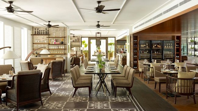 Shangri la hotel singapore opens waterfall cafe for
