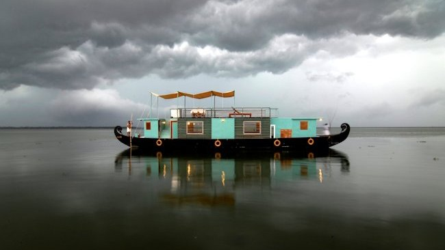 Discovery Houseboat by Malabar Escapes