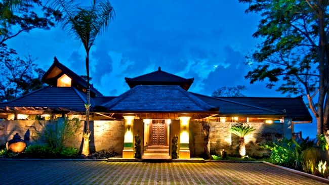 Mead Brown Costa Rica Offers 12,000 sq.ft. Luxury Balinese-style ...
