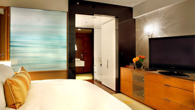 Ritz-Carlton Los Angeles guestroom